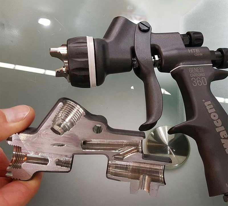 pistolet peinture avec corps en carbone